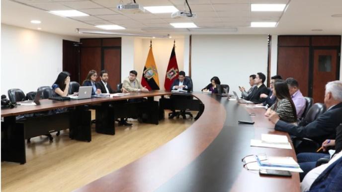 Ministerio del Ambiente y la Alcaldía de Quito se comprometen en implementar acciones para la reforestación y la regulación del uso del plástico en la capital