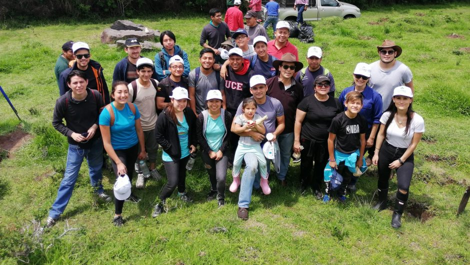 2500 especies nativas se plantaron  en la segunda jornada de reforestación en el volcán Ilaló